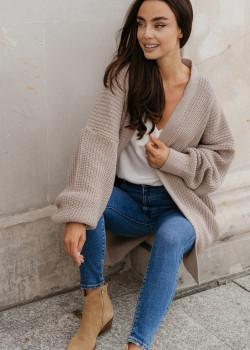 Bluzy, swetry i okrycia wierzchnie na chłodniejsze dni – musisz je mieć