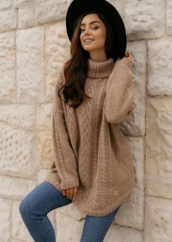 Swetry i kardigany w stylowych lookach – zainspiruj się!