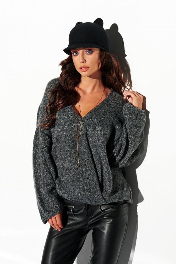 Sweter z dekoltem i luźnymi rękawami 3