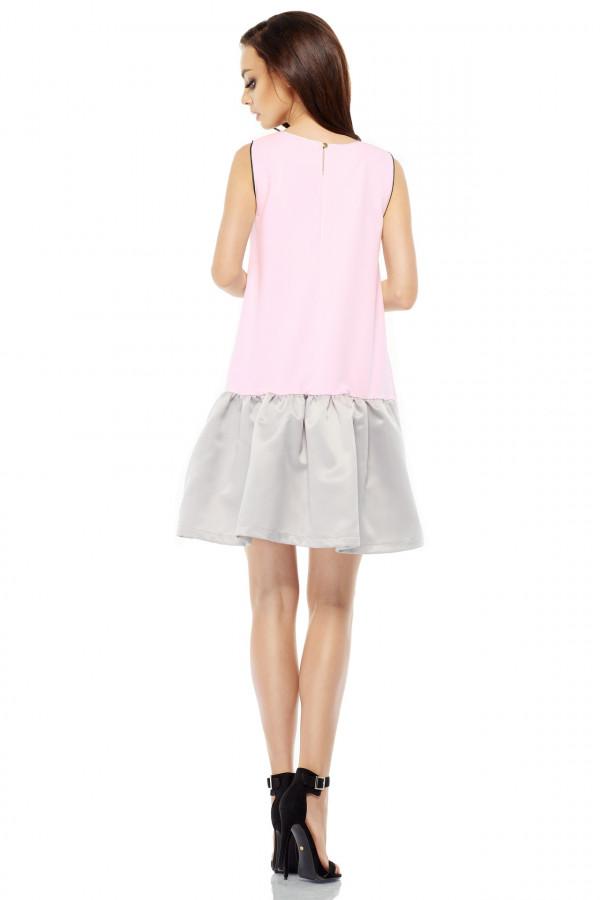 Trapezowa sukienka z satynową falbaną 2