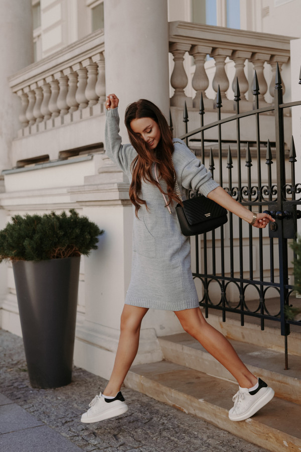 Swetrowa sukienka z kapturem LISBONA 3