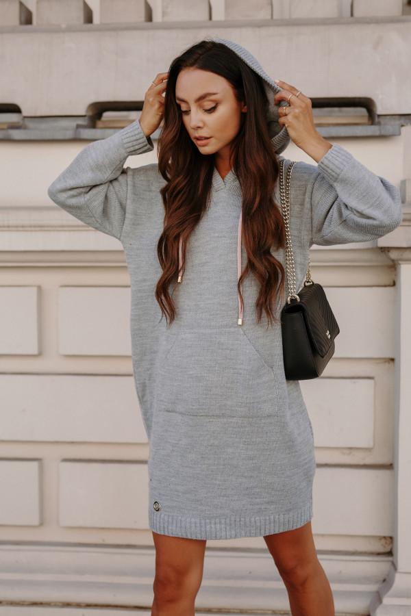 Swetrowa sukienka z kapturem LISBONA 5