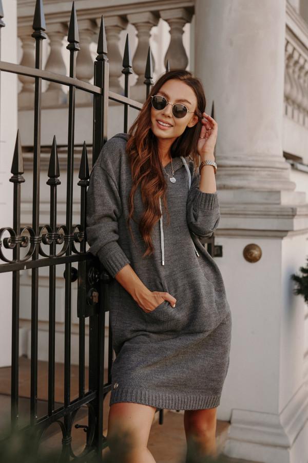 Swetrowa sukienka z kapturem LISBONA 1