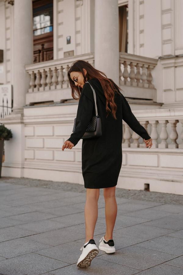 Swetrowa sukienka z kapturem LISBONA 4
