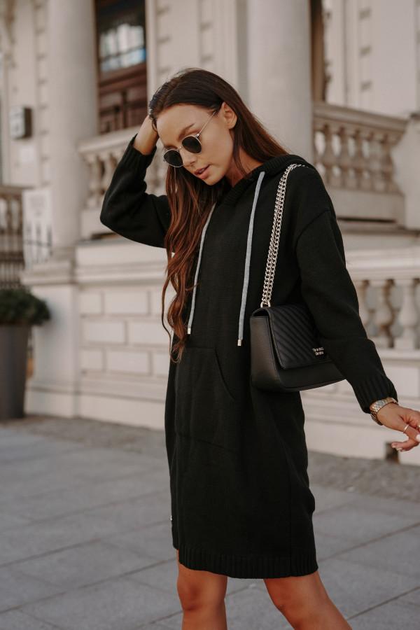 Swetrowa sukienka z kapturem LISBONA 2