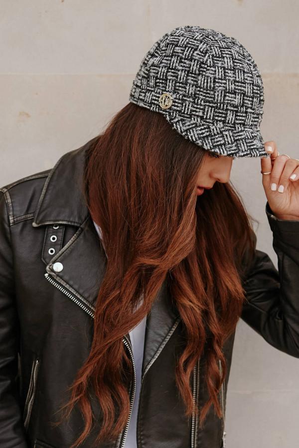 Wełniana czapka z daszkiem 1