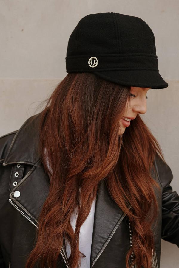 Wełniana czapka z daszkiem 2
