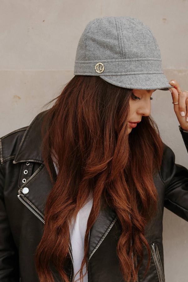 Wełniana czapka z daszkiem 3