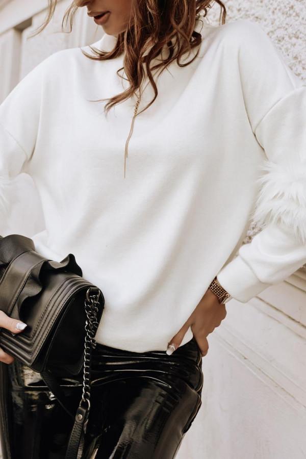 Sweter z futerkiem na rękawach PRADA 1