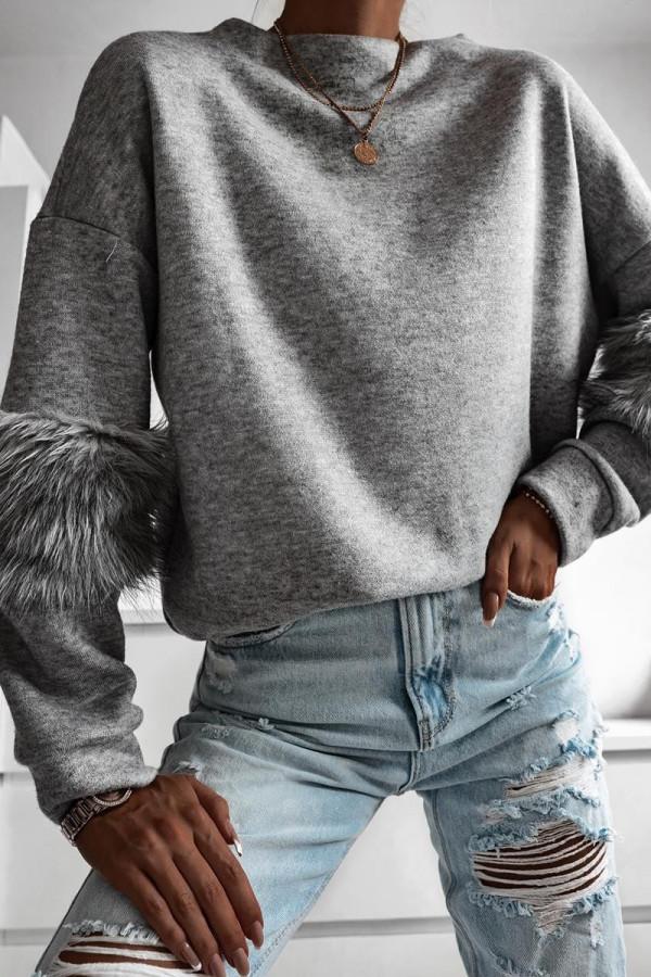 Sweter z futerkiem na rękawach PRADA 2