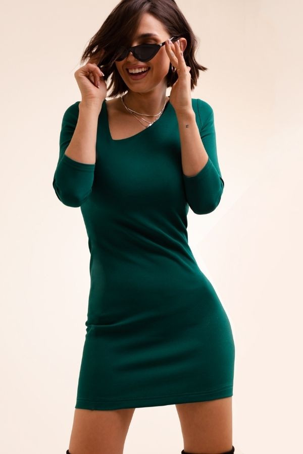 Sukienka z wyciętym dekoltem BAMBI 3