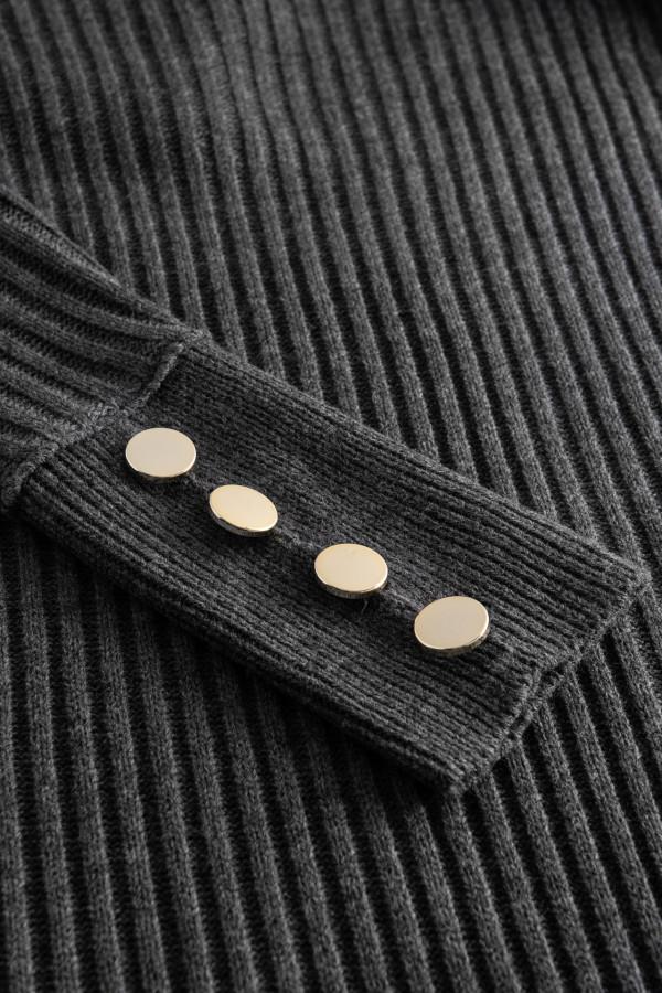 Sukienka swetrowa z golfem ALASKA 4