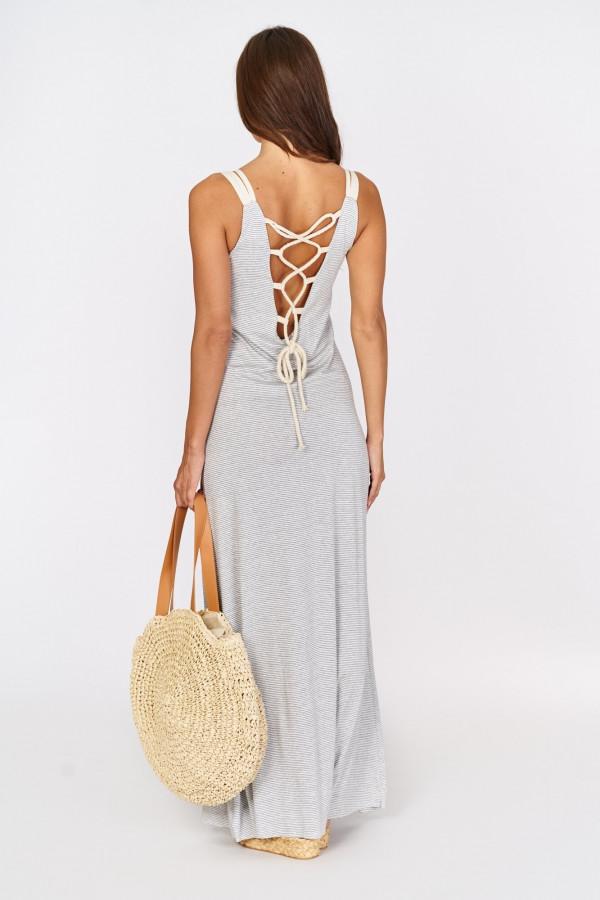 Długa sukienka z wiązaniem na plecach 1