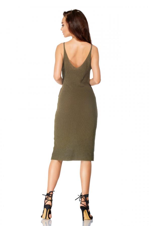 Sukienka sweterkowa na ramiączkach z falbaną 2