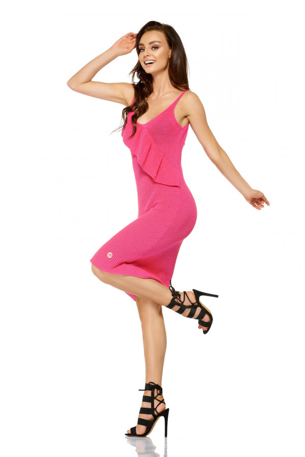 Sukienka sweterkowa na ramiączkach z falbaną 1