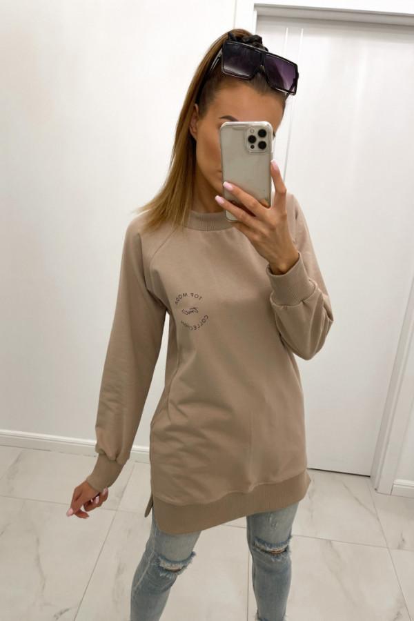 Bluza basic o dłuższym kroju z logo TMC beż