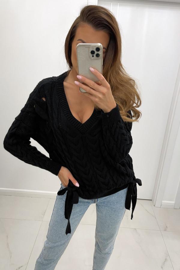 Sweter z dekoltem w serek i wiązaniami LILU czerń