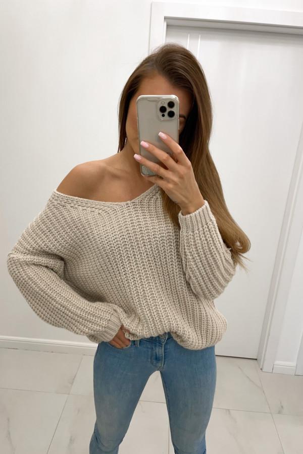 Sweter oversize z dekoltem w serek DION